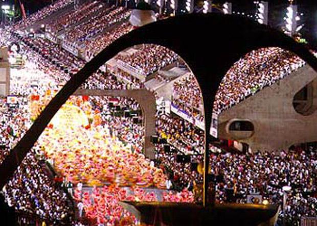 desfiles-das-escolas-de-samba-rio-de-janeiro-2013-sapucai
