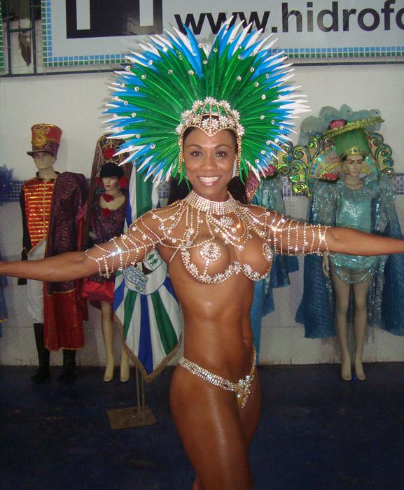 rainha bateria Priscila